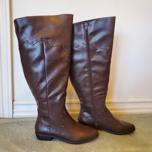 Brown extra wide tall boots